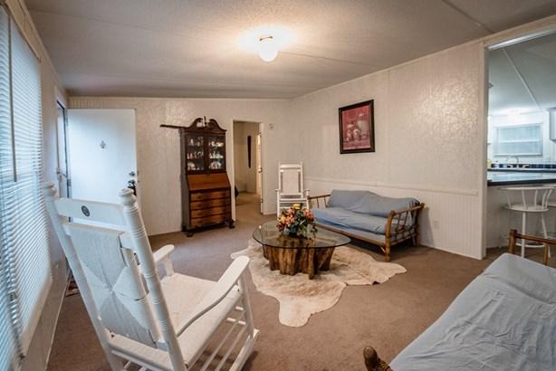 Mobile Home - Naylor, GA (photo 4)