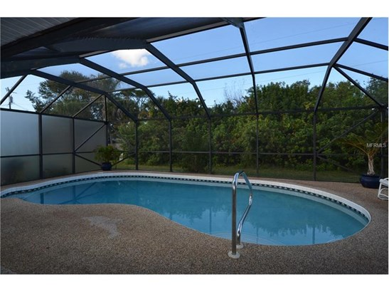 Single Family Home, Florida - PORT CHARLOTTE, FL (photo 2)
