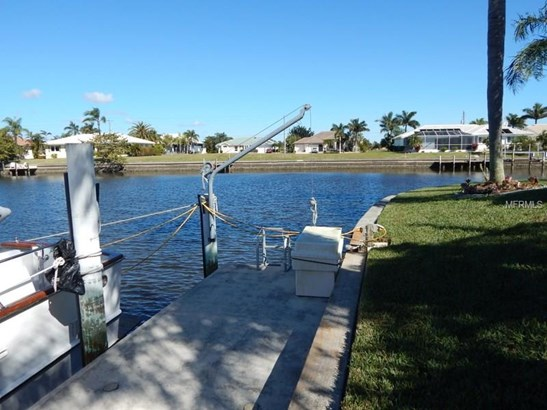 Single Family Home - PUNTA GORDA, FL (photo 4)