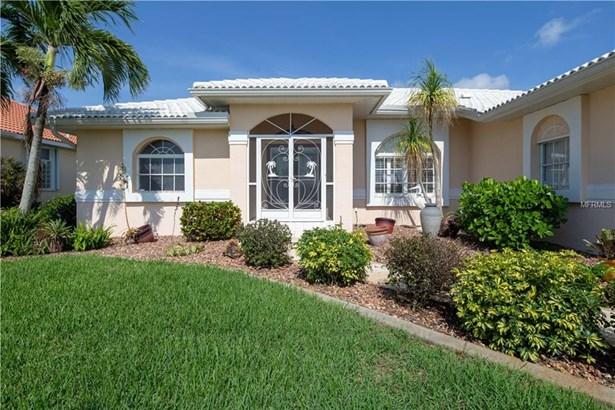 Single Family Residence, Contemporary,Custom - PUNTA GORDA, FL