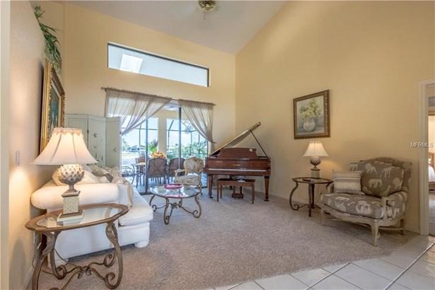 Single Family Residence, Florida - PUNTA GORDA, FL (photo 4)