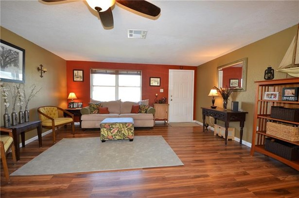 Single Family Home, Ranch - PORT CHARLOTTE, FL (photo 3)