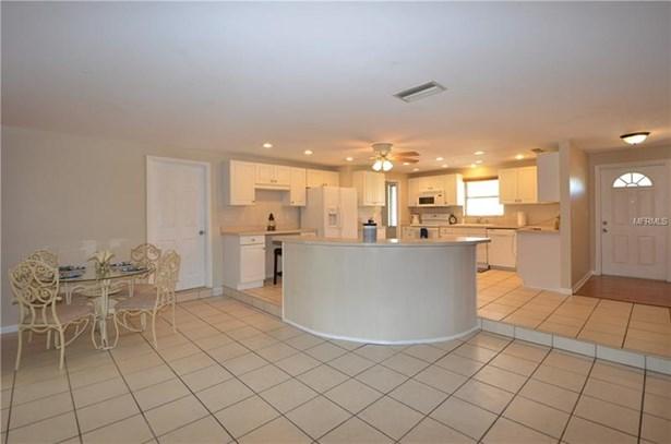 Single Family Residence - PORT CHARLOTTE, FL (photo 4)