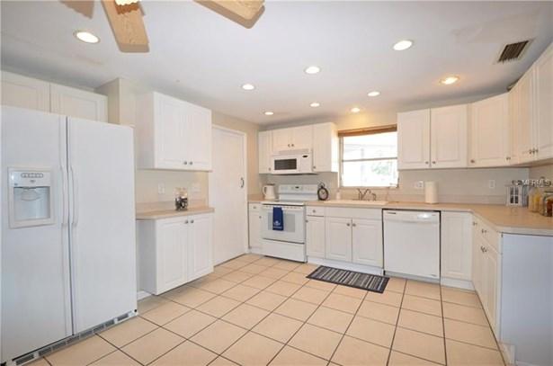 Single Family Residence - PORT CHARLOTTE, FL (photo 5)