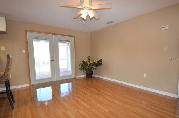 Single Family Home, Florida - PORT CHARLOTTE, FL (photo 4)