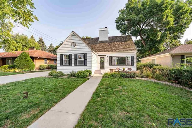 1.5 Story, Single Family - Sioux Falls, SD