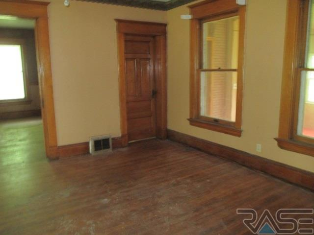 Two Story, Single Family - Hurley, SD (photo 4)