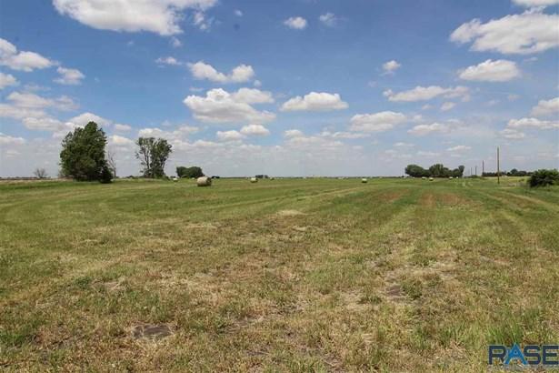Resi Over 1 acre - Canton, SD