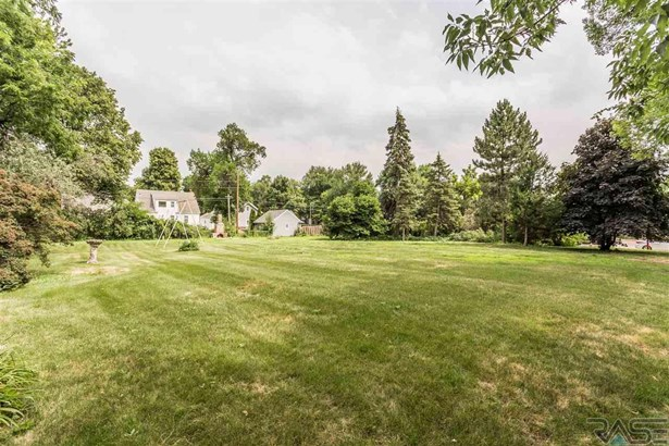 Resi 1 acre or less - Sioux Falls, SD (photo 1)