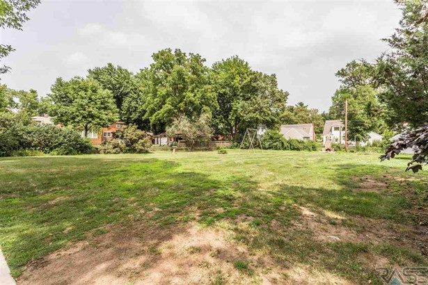 Resi 1 acre or less - Sioux Falls, SD (photo 3)