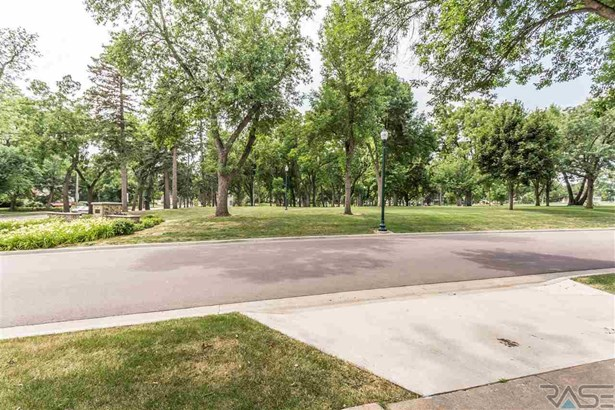 Resi 1 acre or less - Sioux Falls, SD (photo 5)