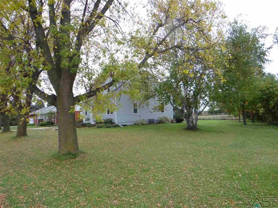 1.5 Story, Single Family - Renner, SD (photo 3)