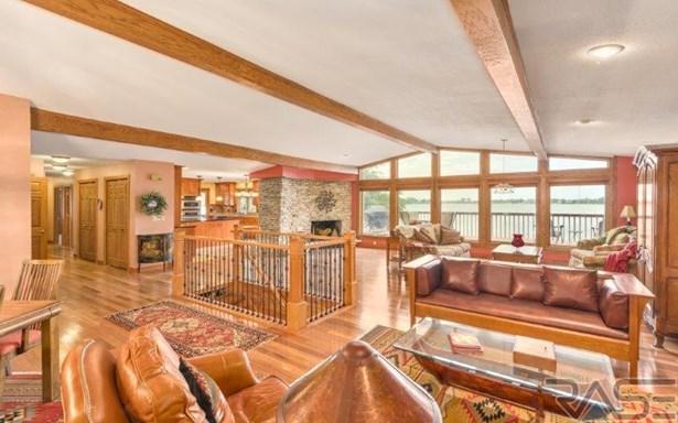 Ranch, Single Family - Hartford, SD (photo 5)