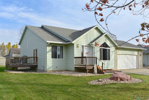 Multi Level, Single Family - Brandon, SD (photo 1)
