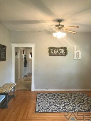 Ranch, Single Family - Madison, SD (photo 2)