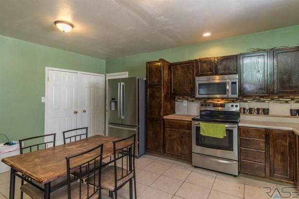 1.5 Story, Single Family - Dell Rapids, SD (photo 4)