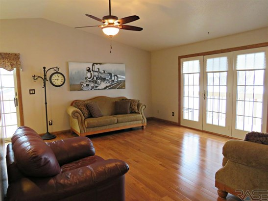 Split Foyer, Single Family - Sioux Falls, SD (photo 4)