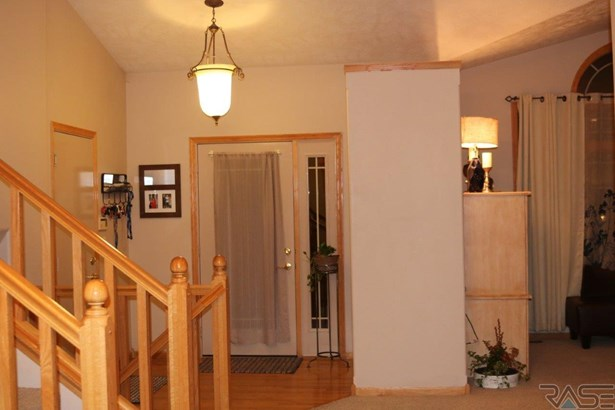 Multi Level, Single Family - Sioux Falls, SD (photo 2)