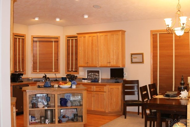 Multi Level, Single Family - Sioux Falls, SD (photo 4)