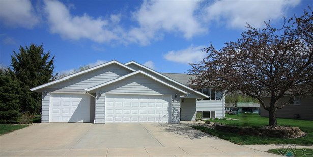 Split Foyer, Single Family - Lennox, SD (photo 1)