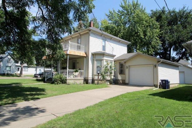 Two Story, Single Family - Canton, SD (photo 2)