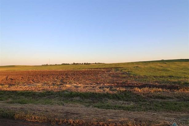 Resi Over 1 acre - Hartford, SD (photo 2)