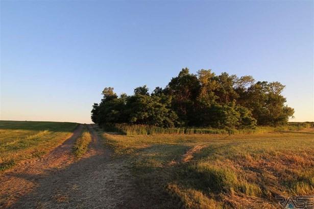 Resi Over 1 acre - Hartford, SD (photo 3)