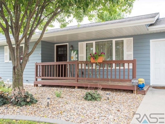 Ranch, Single Family - Lennox, SD (photo 3)