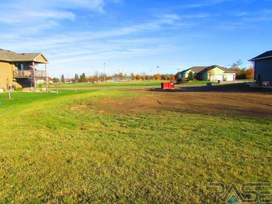 Resi 1 acre or less - Garretson, SD (photo 1)