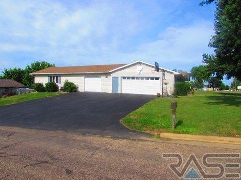 Ranch, Single Family - Garretson, SD (photo 2)