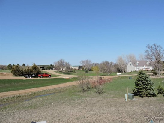 Ranch, Single Family - Canistota, SD (photo 2)