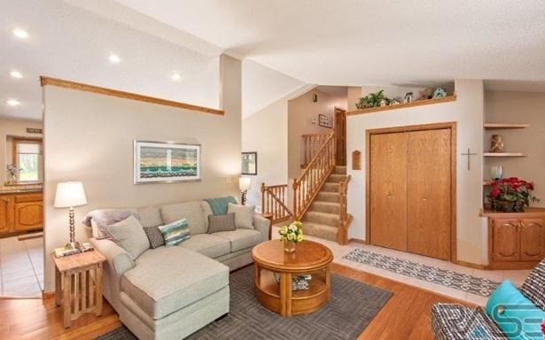 Multi Level, Single Family - Sioux Falls, SD (photo 5)