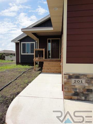 Ranch, Single Family - Brandon, SD (photo 2)