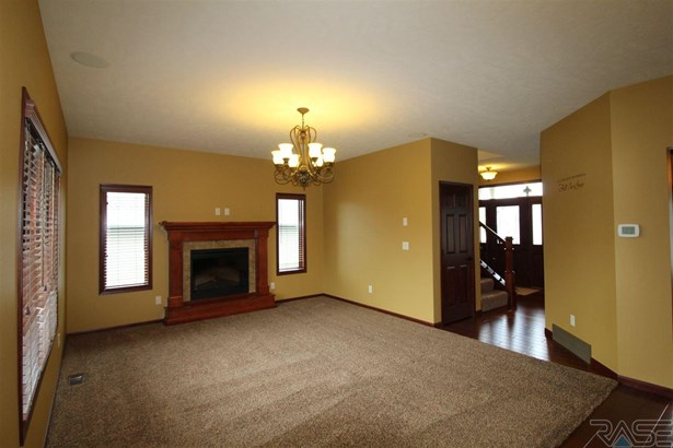 Two Story, Single Family - Sioux Falls, SD (photo 2)