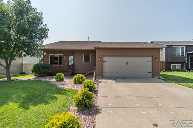Multi Level, Single Family - Harrisburg, SD