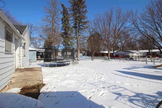 Ranch, Single Family - Dell Rapids, SD (photo 2)