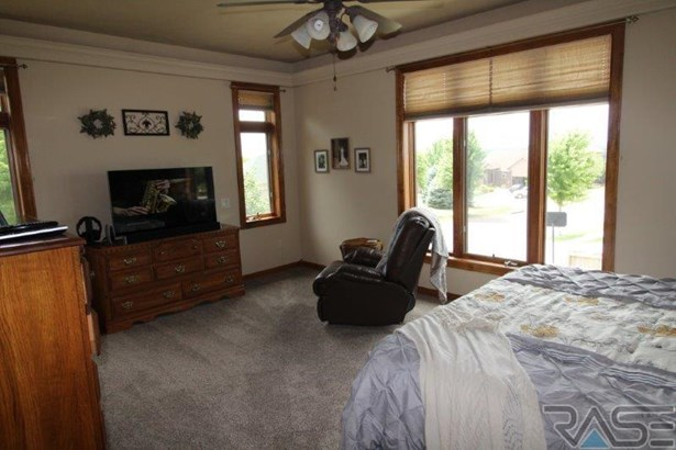 Ranch, Single Family - Brandon, SD (photo 3)