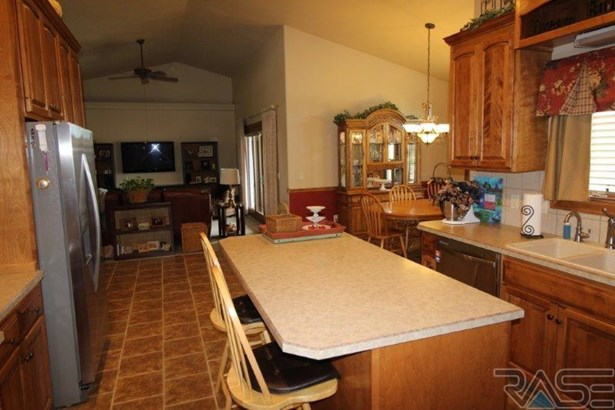 Ranch, Single Family - Brandon, SD (photo 5)