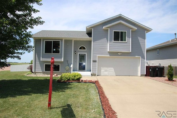 Multi Level, Single Family - Worthing, SD (photo 1)