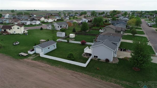 Multi Level, Single Family - Worthing, SD (photo 3)