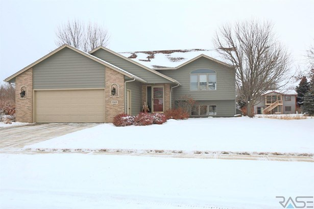 Split Foyer, Single Family - Sioux Falls, SD (photo 1)