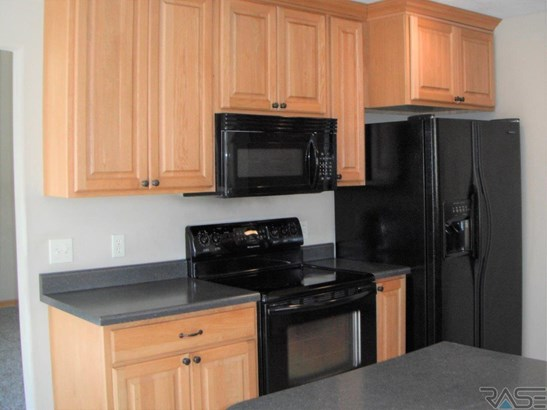 Two Story, Town Home - Brandon, SD (photo 4)