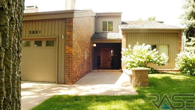 1.5 Story, Town Home - Sioux Falls, SD (photo 2)