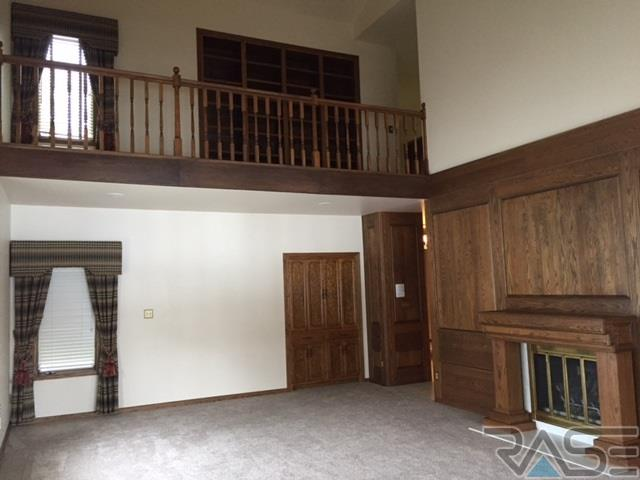 1.5 Story, Town Home - Sioux Falls, SD (photo 4)