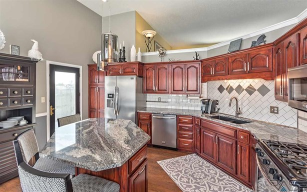 Multi Level, Single Family - Sioux Falls, SD (photo 4)