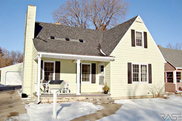 1.5 Story, Single Family - Sioux Falls, SD (photo 1)