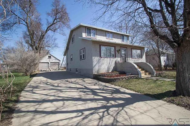 1.5 Story, Single Family - Lennox, SD (photo 2)