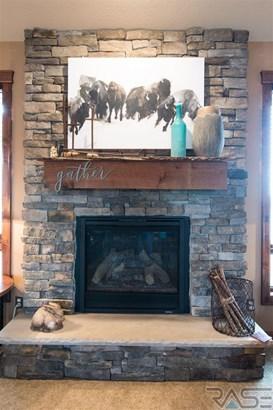 Ranch, Single Family - Brandon, SD (photo 4)