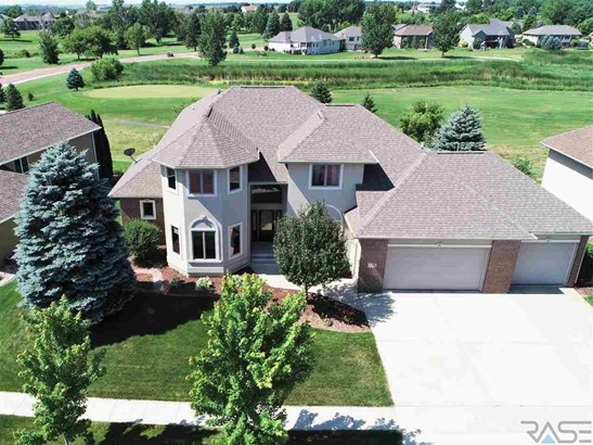 Two Story, Single Family - Dell Rapids, SD