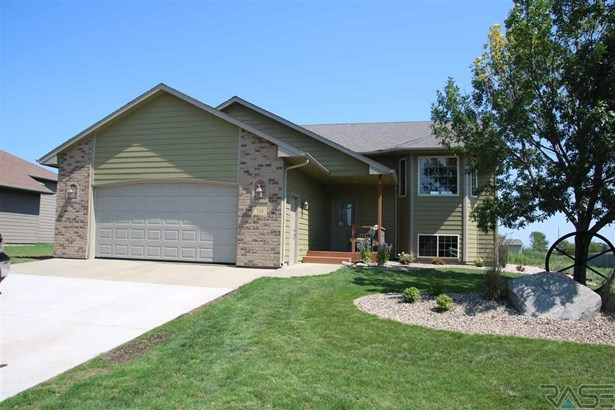 Split Foyer, Single Family - Harrisburg, SD (photo 1)